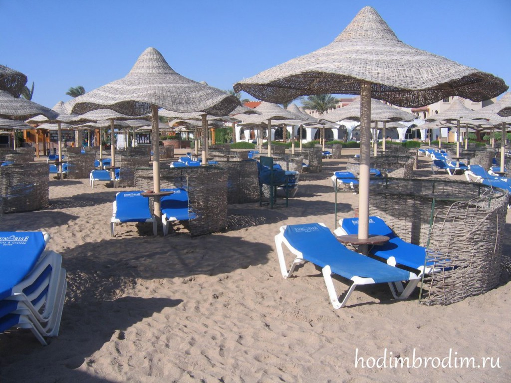 Sunrise_Garden_Resort_beach_10